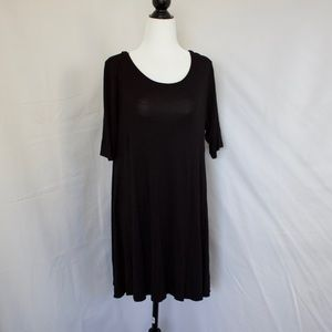 Dresses & Skirts - Black 3/4 Sleeve T-shirt Dress